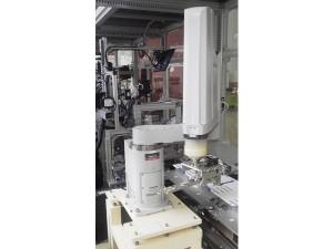 スカラロボット(水平多関節ロボット)による自動機